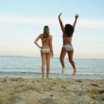 Rapazas na praia